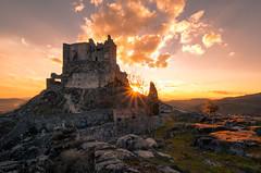 Castillo de Trevejo (Chusmaki) Tags: ngc castillo atardecer sol sierra caceres trevejo