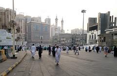 Beautiful street of Makkah Mukrammah (Umair Nazim) Tags: gate no 1 makkah saudi arabia king abdul aziz abdulaziz