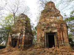 Koh Ker - Prasat Pram (Bogdan J.S.) Tags: azja asia kambodża cambodia kohker świątynia temple prasatpram ruiny ruins remains dziedzictwo heritage historia history