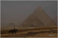 La gran aventura (mariadoloresacero) Tags: acero mdacero amanecer desierto aventura emoción mikerino kefrén keops la gran pirámide el cairo piramides egypte egipto ilca68 sony