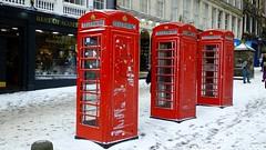 Snowy Edinburgh 06 (byronv2) Tags: weather storm snow winter snowstorm edinburgh edimbourg scotland oldtown royalmile red colour triple trio telephone redtelephonebox britishtelephonebox history engineering communication