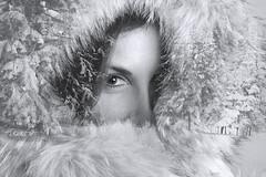 Si sientes un poco de frío, ven, hay un sitio en mi infierno. (dMadPhoto) Tags: retratos portraits landscape paisajes nature naturaleza eyes glance mirada ojos belleza beauty girls woman women cold frío dobleexposición fantasía fantasy madrid bn bw bnw dmadphoto doubleexposure