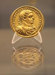 Coin (Mariannera) Tags: london unitedkingdom art coin constantine rome emperor britishmuseum museum gold