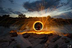 Anillo de Fuego 2 (christian_kollinger) Tags: fuego fire anillo ring sky night twilight anochecer crepusculo circulo chispa spark circle nublado cloudy agua cielo lago árbol sundaylights