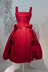 Vivid red dress - Porcelaine, Yves Saint Laurent for Christian Dior  1958 - Dior exhibition, Paris (Monceau) Tags: dior exhibition paris vivid red dress porcelaine trapèseline yvessaintlaurent