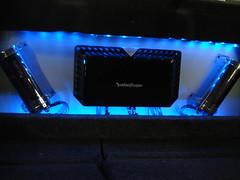 20090612-300c amp rack lighted