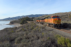UP SMKFB-21 (caltrain927) Tags: union pacific railroad bnsf railway burlington northern santa fe empty military flat car train arroyo quemado goleta california ca