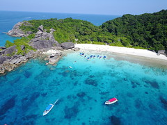 drone-similian-islands-phuket-thailand-2 (Ryan.Kartzke) Tags: drone similanislands phuket bluewater boats thailand paradise crystalclear rocks beach sand ocean sea