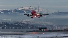 LN-NGW Norwegian Air Shuttle Boeing 737-8JP(WL) (Otertryne2010) Tags: 2018 2k18 enva norge norway trd trondheim værnes norwegianairshuttle norwegian beaconshot 7378jpwl landing winter fog