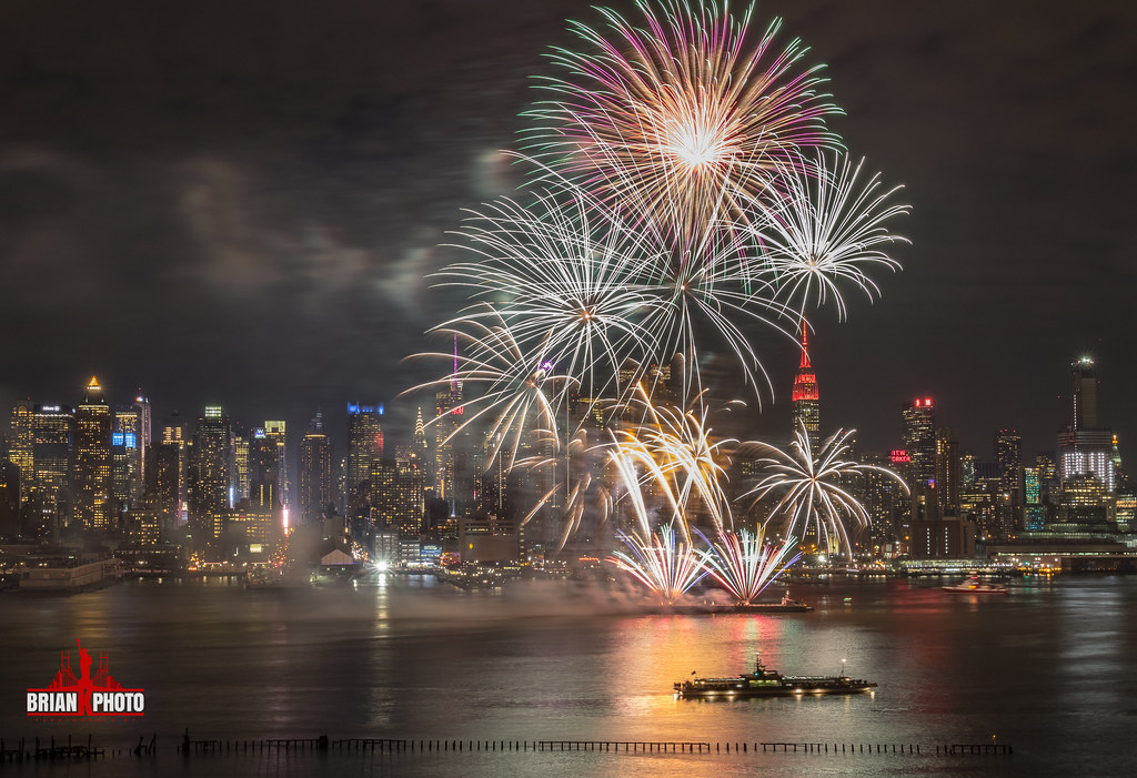 The World's Best Photos of happynewyear and longexposure ...