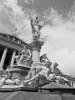 viennaherby_wiensw_parlament_02_2017-05-13 (ViennaHerby) Tags: wien vienna schwarzweis parlament ringstrase statue brunnen allegorie allegory athene athena