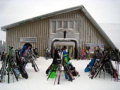 Mount Snow, VT (Boston Runner) Tags: mountsnow ski resort vermont snowboard winter 2017 bullwheel summit lodge racks