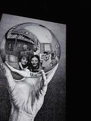 Escherizadas (LetsLetsLets) Tags: lisboa 2018 escher exposição exhibition mão hand boladecristal captured photoshop reflexo reflection perspective perspectiva março