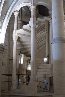 Staircase | Salle des Gen d'Armes | Conciergerie | Paris-8