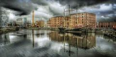 Albert Dock, Liverpool. (Marina Is) Tags: liverpool albertdock england clouds nubesdetormenta nubes water agua sliderssunday hss ship barco edificios buildings ciudad city
