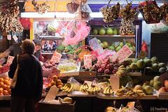 Mong Kok Traditional Market (tomosang R32m) Tags: yaumatei 油麻地 fruitmarket 九龍水果批発市場 九龍水果批發市場 香港 hongkong kowloon 九龍 夜 夜景 市場 night 油麻地果欄 yaumateiwholesalefruitmarket wholesale fruit market mongkokmarket mongkok 旺角