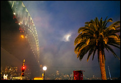 171231-5340-XM1.jpg (hopeless128) Tags: lowlight fireworks 2017 australia sydneyharbourbridge moon sydney nye2018 newyearseve therocks newsouthwales au