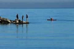 kayak (N I C K ....1 8 2 8) Tags: mare sea sun sole sanbenedettodeltronto canoa people porto persone kayak