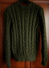 Green cabled casual wool sweater (Mytwist) Tags: sashe adana zakazka zelanie wool sweater aranstyle fashion retro knit design love passion gift cabled fisherman heritage donegal handgestrickt handknitted laine classic