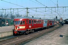 Zutphen vroeger (Tim Boric) Tags: zutphen station trein train zug bahn spoorwegen railways ns diesel allan