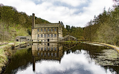Gibson Mill, Hardcastle Crag (Kingsley_Allison) Tags: westyorkshire hebdenbridge water nikond7200 nikon beck national trust d7200 hardcastlecrag nationaltrust gibsonmill