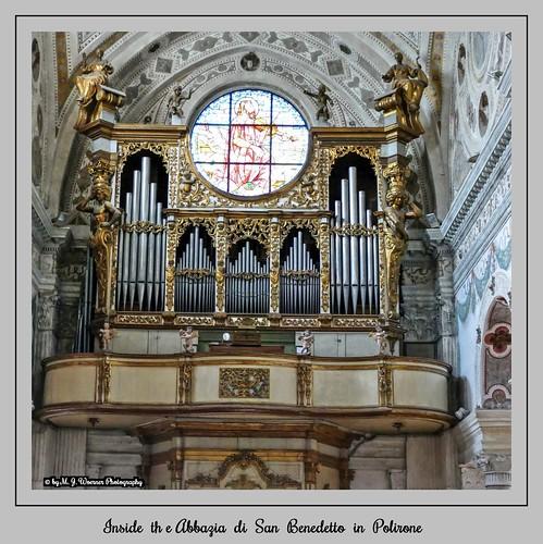 Inside the Abbazia di San Benedetto in Polirone  08
