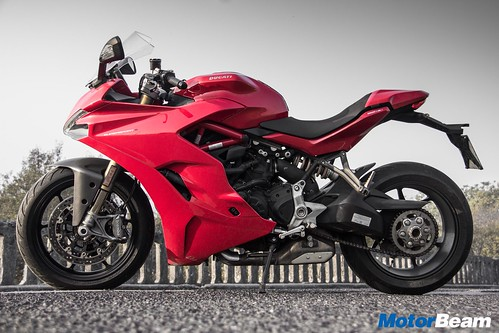 Ducati-SuperSport-S-16