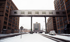 Sands Street (neilsonabeel) Tags: nikonfm2 nikon film analogue brooklyn newyorkcity winter snow bridge