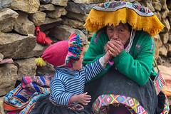 Cold Hands (Feca Luca) Tags: street reportage family people peru southamerica travel viaggiare children bimbi nikon cold freddo