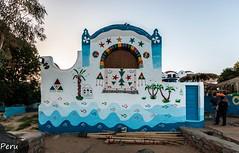 Casa colorida (Perurena) Tags: casa house hogar color arquitectura ladrillo brick casanubia aswan egipto