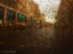 Oxford Street (Geza (aka Wilsing)) Tags: dirtywindow fromthebus iphone