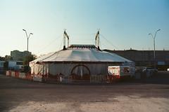 playtime (Vinzent M) Tags: yerevan erewan armenia armenien olympus om 2n zuiko 24 zniv երեան հայաստան circus
