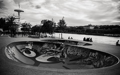 Skatepark (damar47) Tags: pentax pentaxart pentaxian pentaxk30 blackwhite biancoenero blackandwhite bnw streetphotography streetstyle streetlife street urban citylife river lyon france francia lione monochrome monochromatic park skater skate graffiti urbanart