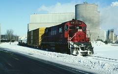 GBW 318 (Hoist!Man) Tags: gbw greenbaywestern alco rs27 bironwi film winter snow cold trai railroad locomotive