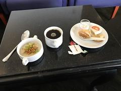 My breakfast (Khunpaul3) Tags: royal silk lounge mnl manila airport meals thai airways tg