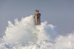 Le phare de Nividic dans la tempête Eleonor (cedric.cain29) Tags: cedriccaïn ouessant îledouessant iroise bretagne finistère phare lighthouse pharedenividic nividic tempete lumièresdouessant eleonor paysages bzh pern