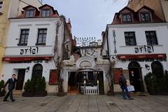 XE3F7274 (Enrique R G) Tags: sinagoga vieja stara synagoga old synagogue kazimierz cracovia cracow krakow poland polonia fujixe3 fujinon1024 ariel cafe