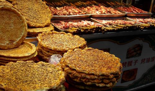 Du pain et des brochettes de mouton : le repas le plus courant!