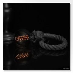 Ampoule vintage (Jean.D Déclencheur amateur) Tags: poselongue edison lampe corde filament vintage désaturation