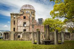Hiroshima memorial (Jorge Císcar) Tags: azulblue chugoku edificiobuilding filtropolarizadorpolarizingfilter fotografíacallejerastreetphotography fotografíadeviajetravelphotography hiroshima hiroshimapeacememorialparkparqueconmemorativodelapazde japónjapan monumentomonument nikond610 paisajedeciudadcityscape parquepark ruinasruins tamron2470mmf28vc vacacionesholidays verdegreen viajetravel hiroshimapeacememorialparkparqueconmemorativodelapazdehiroshima