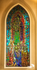 the window (Sic Itur Ad Astra LRPS) Tags: red iceland snow ice cold icelandic hallgrimskirkja reykjavik church lutheran