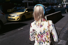Melbournia (_markforbes_) Tags: film analogue analog 35mm urban streettogs photojournalism reportage documentary filmisnotdead filmneverdie filmphotography cinematic ishootfilm streetphotographer minimal minimalist bokeh leica m6 rangefinder voigtlander vc35 colorskopar melbourne