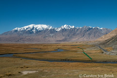 The view from Tagharma (10b travelling / Carsten ten Brink) Tags: 10btravelling 2017 asia asian asien carstentenbrink china chine chinese iptcbasic karakoram karakoramhighway karakorum karakorumhighway lakekarakul prc pamir pamirmountains pamirs peoplesrepublicofchina silkroad tashkurgan xinjiang tenbrink 中华人民共和国 中国