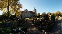Paderborn/Elsen St. Dionysius Elsen - 2017 PA151523-P0-25%G1 (jean.paul_martin) Tags: paderborn elsen pbelsen friedhof friedhofpbelsen cimetiere