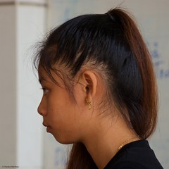 IMGP8346 Candid Profile Portrait (Claudio e Lucia Images around the world) Tags: profile portrait woman youngwoman lady younglady vietnam mekongdelta mekong pentax pentaxk3ii pentax60250 candid candidportrait