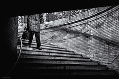 Where Is My Mind (sdupimages) Tags: noirblanc blackwhite monochrome bw nb rue street paris metro subway underground stairs escaliers parisian parisienne