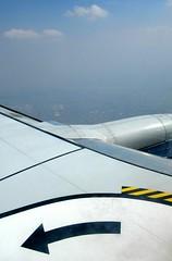 Ainsi va la vie... (Robert Saucier) Tags: mexico mexicocity ciel sky avion airplane aile wing nuages clouds img8053