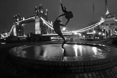 Floating (updownmo) Tags: london towerbridge blackandwhite water floating fountain londonbridge londonbridgeatnight night nightphotograph location longexposure waves moment artificiallights capture nightphoto londonphotography londonarchitecture details nightpicture