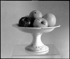 coupe de fruits (JJ_REY) Tags: fruits coupe cup fomapan200creative 6x7 toyofield 45a 6x7filmholder sironarn 150mm rodinal epson v800 colmar alsace france
