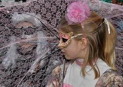 Alices in W (johan van moorhem) Tags: belgium belgique belgië flanders vlaanderen westvlaanderen bruges brugge carnavalvénitien brugescarnival costumésdevenise regardsvénitiens parade discoverbruges